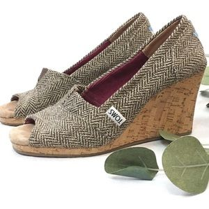 Toms herringbone peep toe wedge